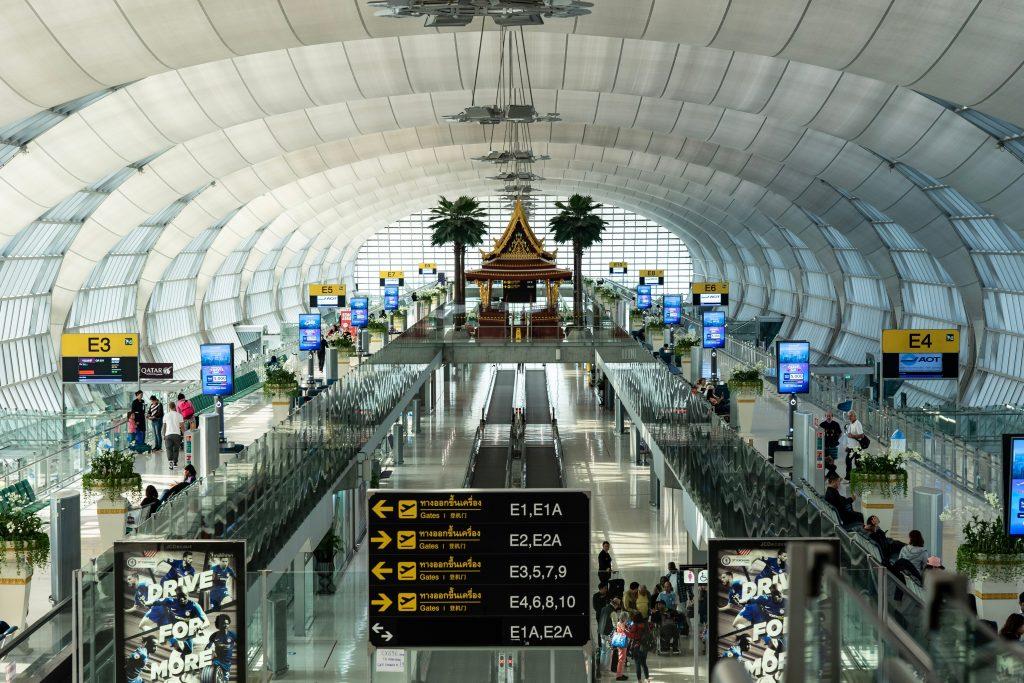 Airport in Bangkok Savarnabhumi. Airport info 24